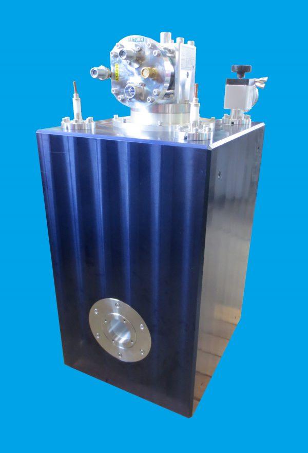 小型超電導マグネットシステム