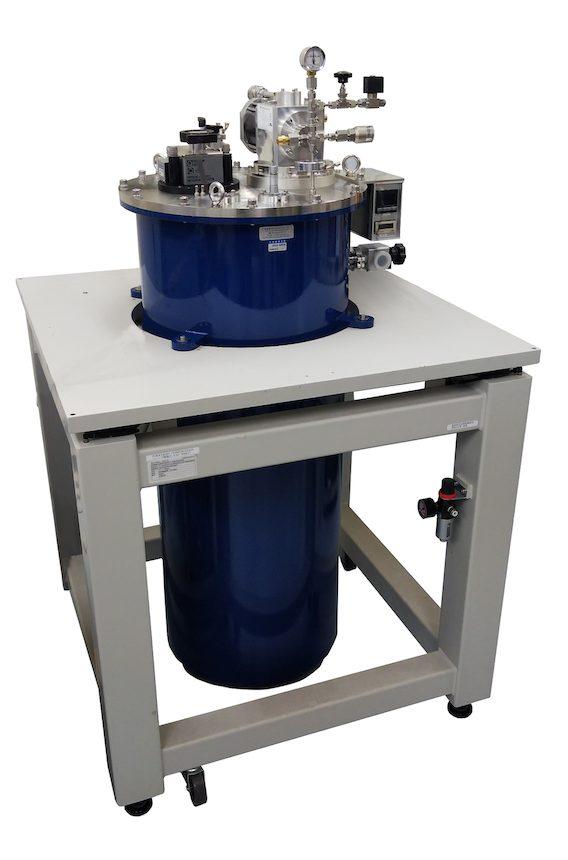 液体ヘリウム再凝縮ウライオスタット