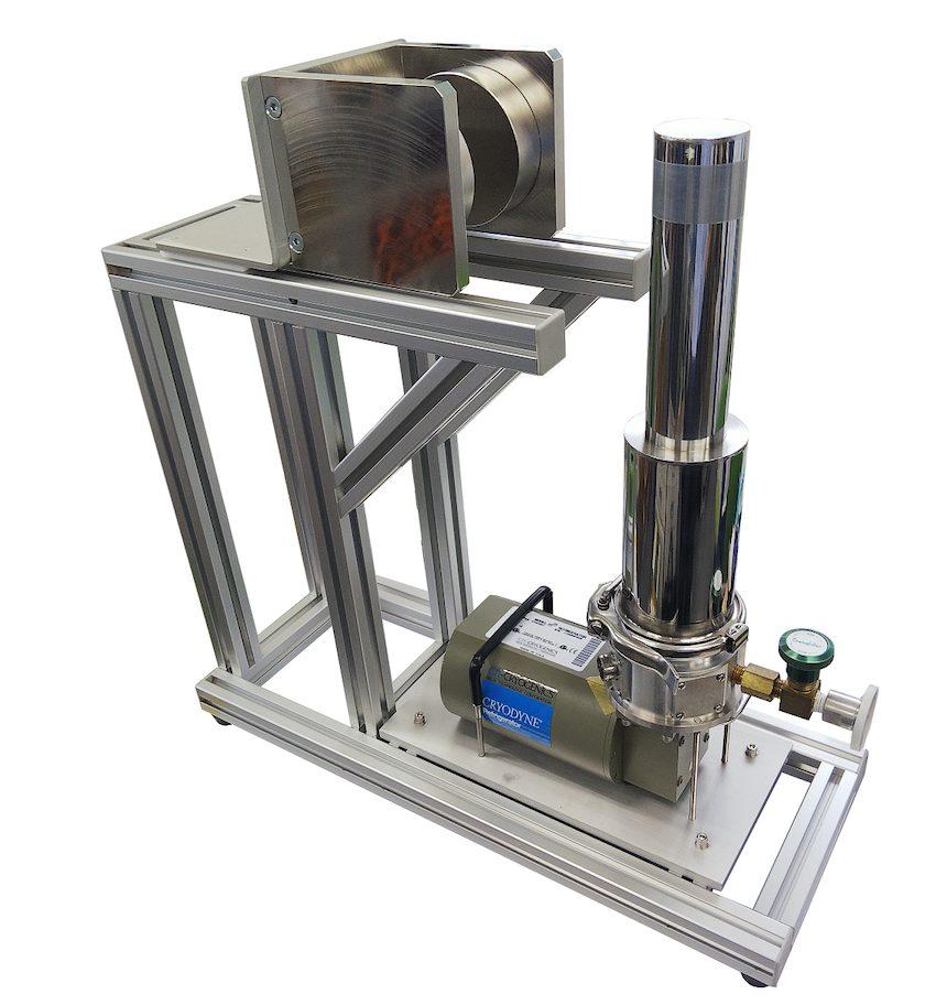 永久磁石を利用した冷凍機クライオスタット