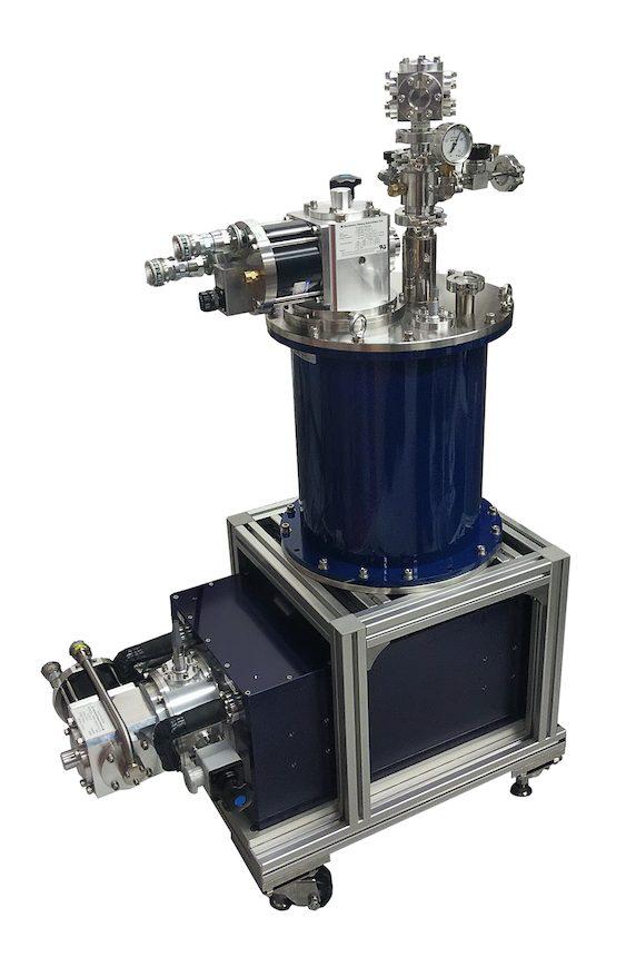 小型無冷媒マグネットと4KGMトップロードクライオスタットの組合せ